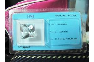 TOPAZ TRẮNG (22,6 carats)
