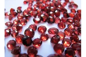 Đá Garnet mài hạt  300 ngàn/carat